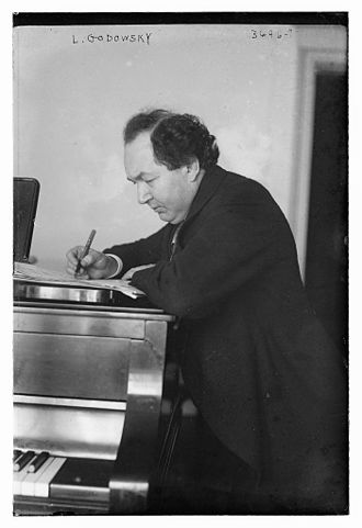 Black and White photograph of Leopold Godowsky in his mid-forties.